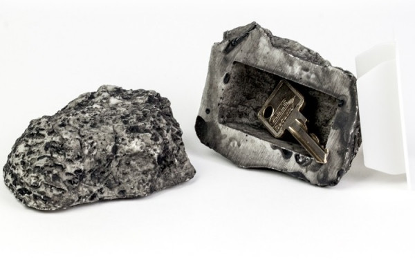 plastic fantastic geheimversteck stein