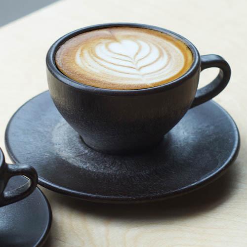 kaffeeform capuccinotasse aus berliner kaffeesatz